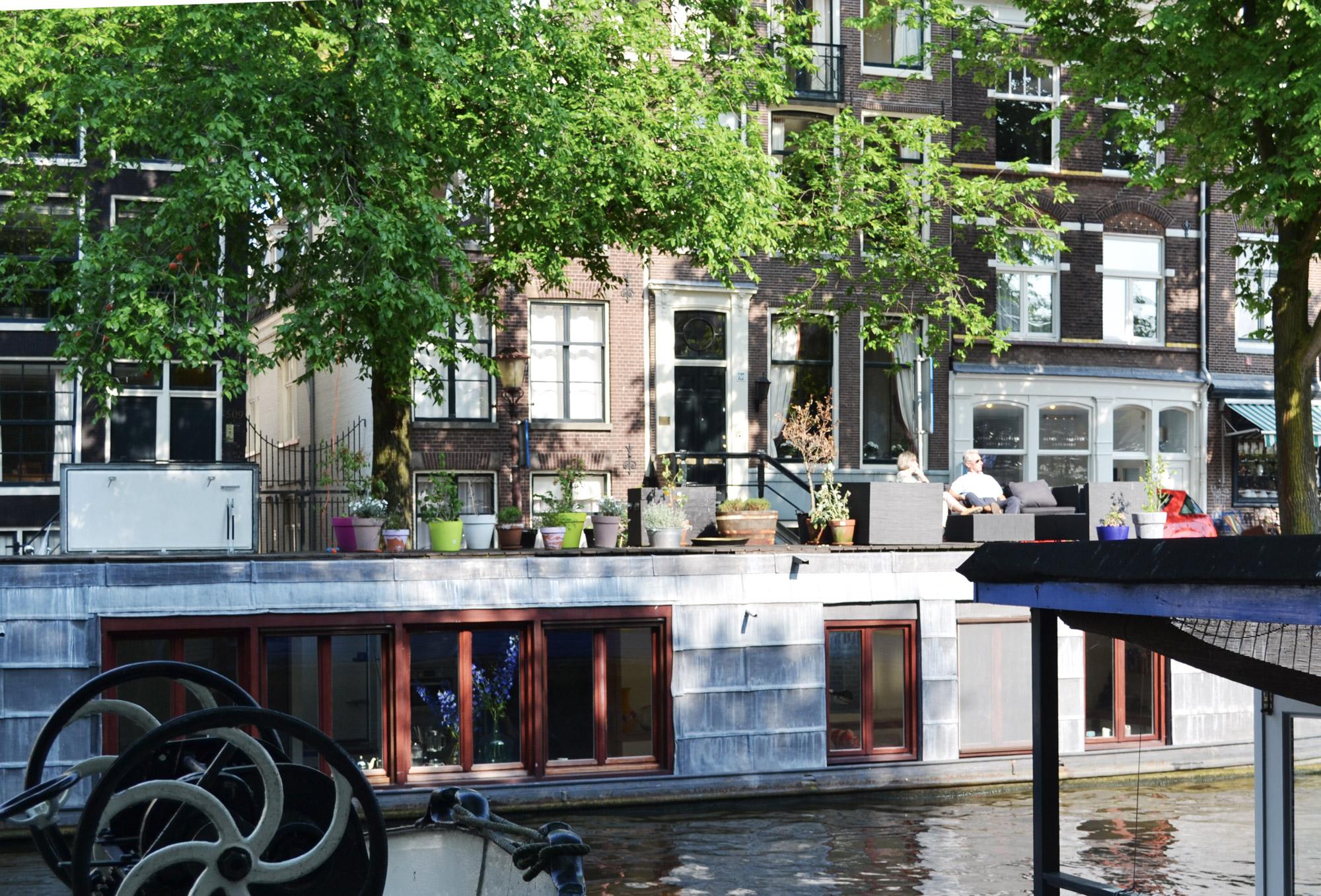 urbanbacklog-amsterdam-canal-houses-7.jpg