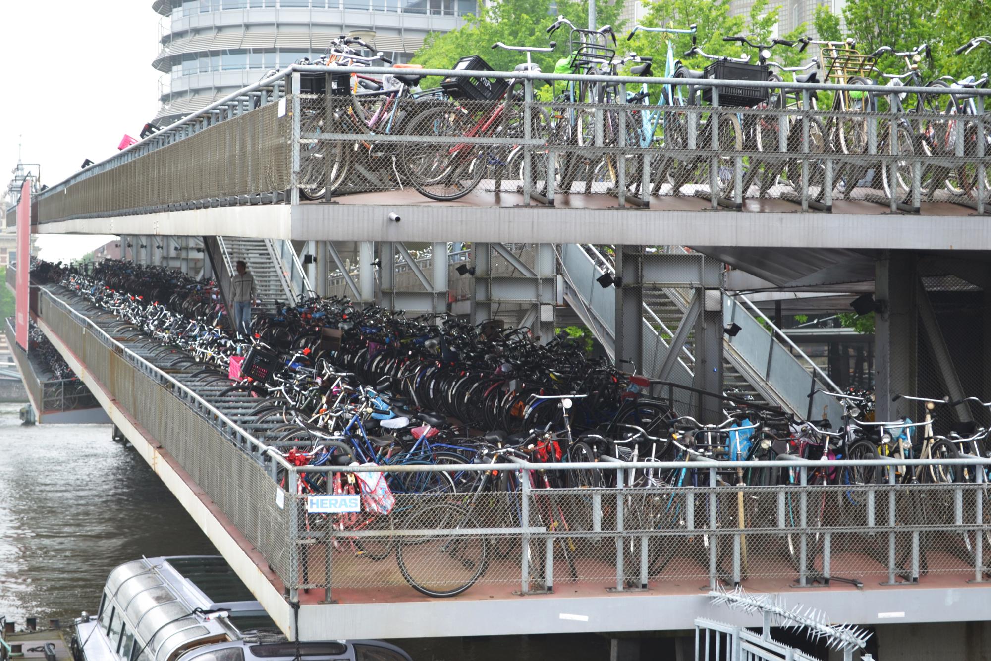 urbanbacklog-amsterdam-bicycle-city-5.jpg