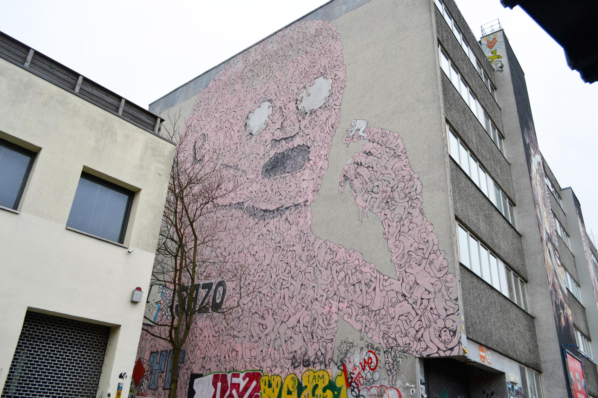 urbanbacklog-berlin-blu-pink-man-1.jpg