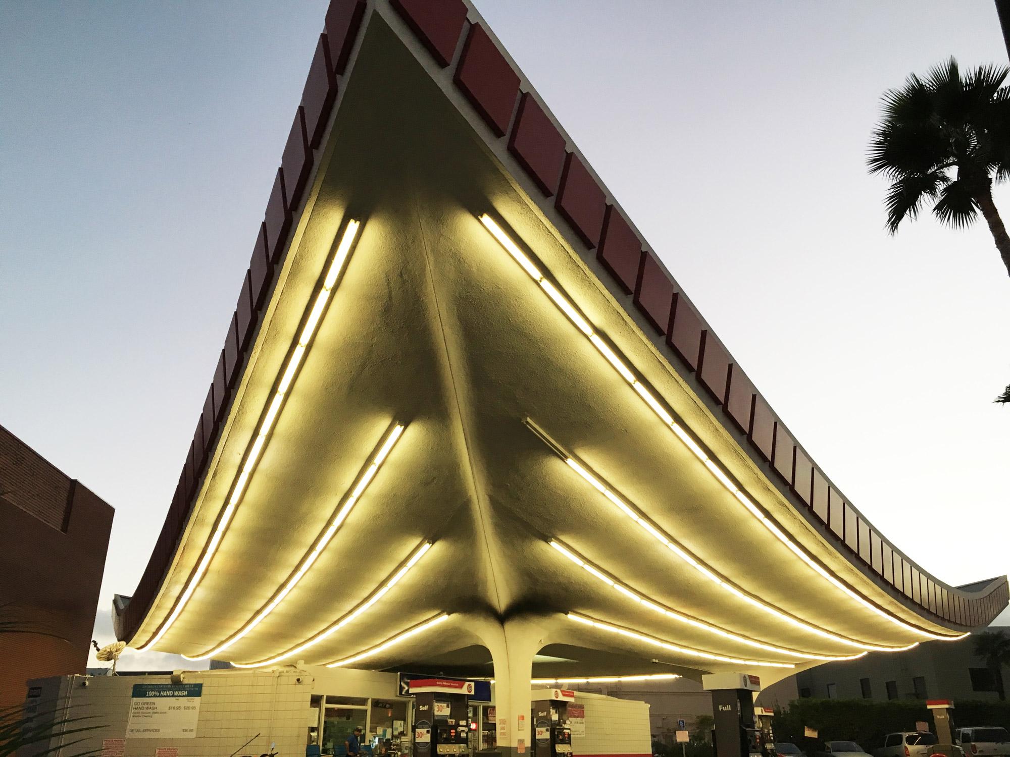 urbanbacklog-los-angeles-jack-colker's-76-gas-station-2.jpg