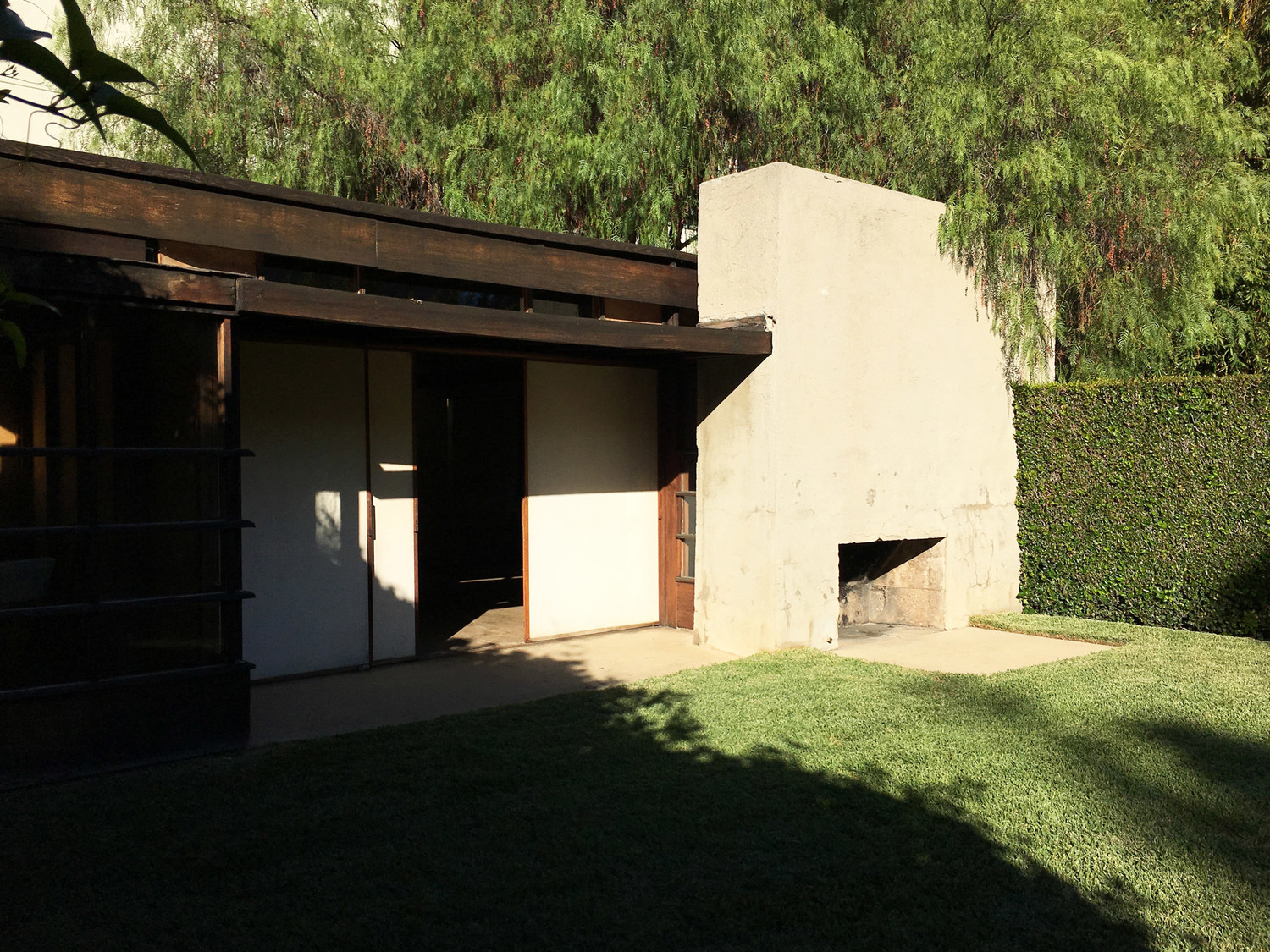 urbanbacklog-los-angeles-schindler-house-mac-center-1.jpeg