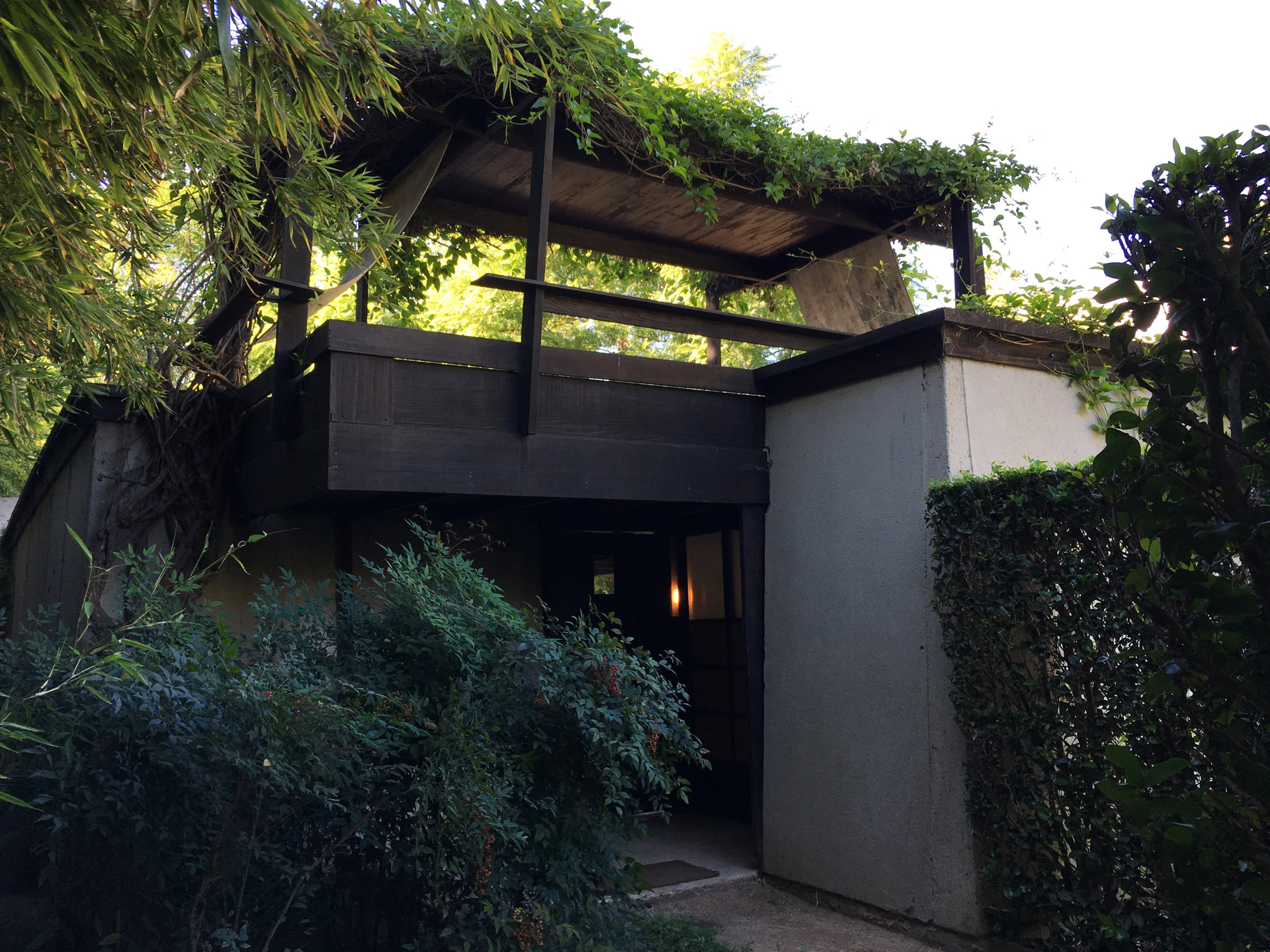 urbanbacklog-los-angeles-schindler-house-mac-center-4.jpg