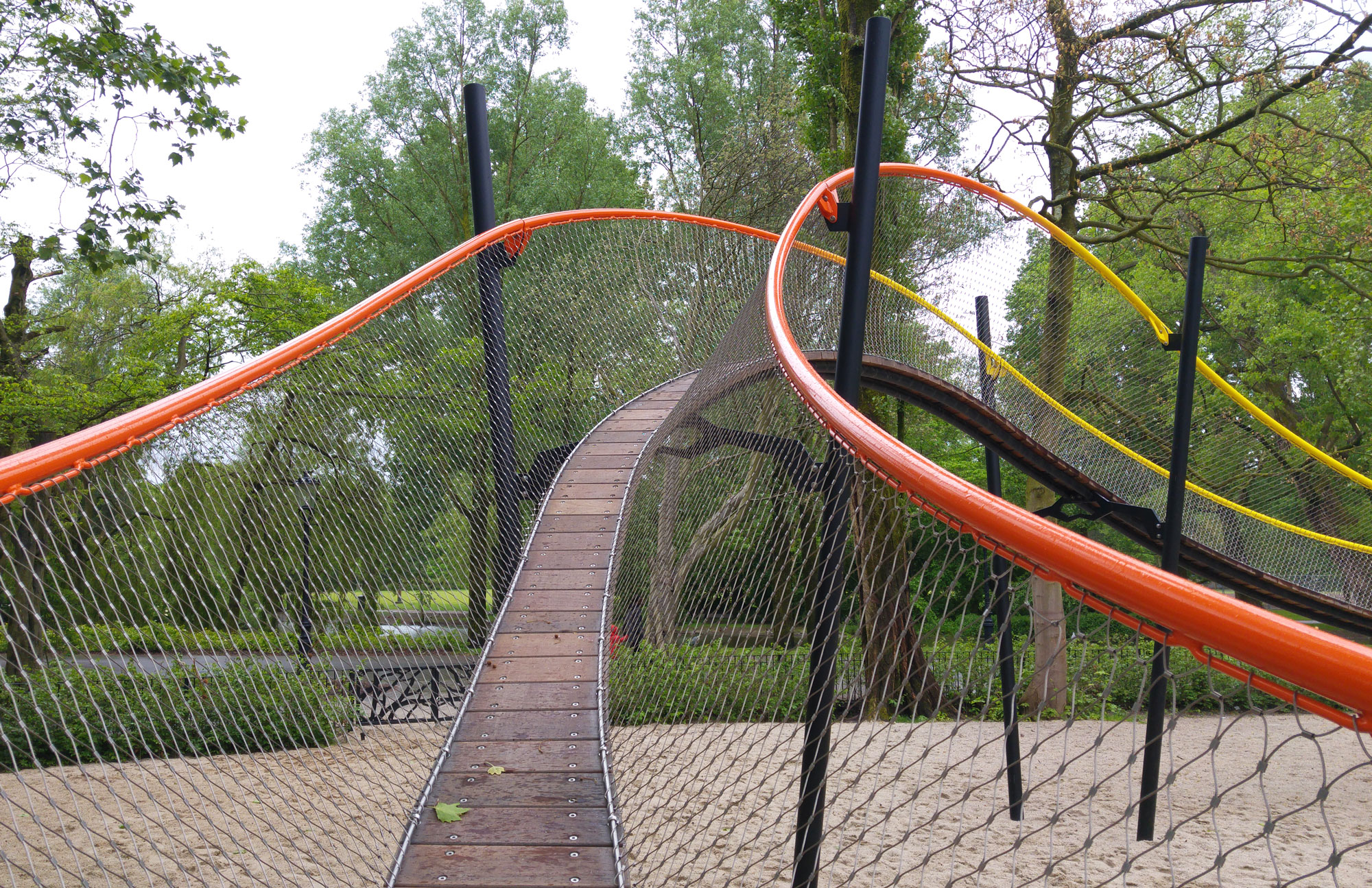 urbanbacklog-amsterdam-oosterpark-play-garland-7.jpg