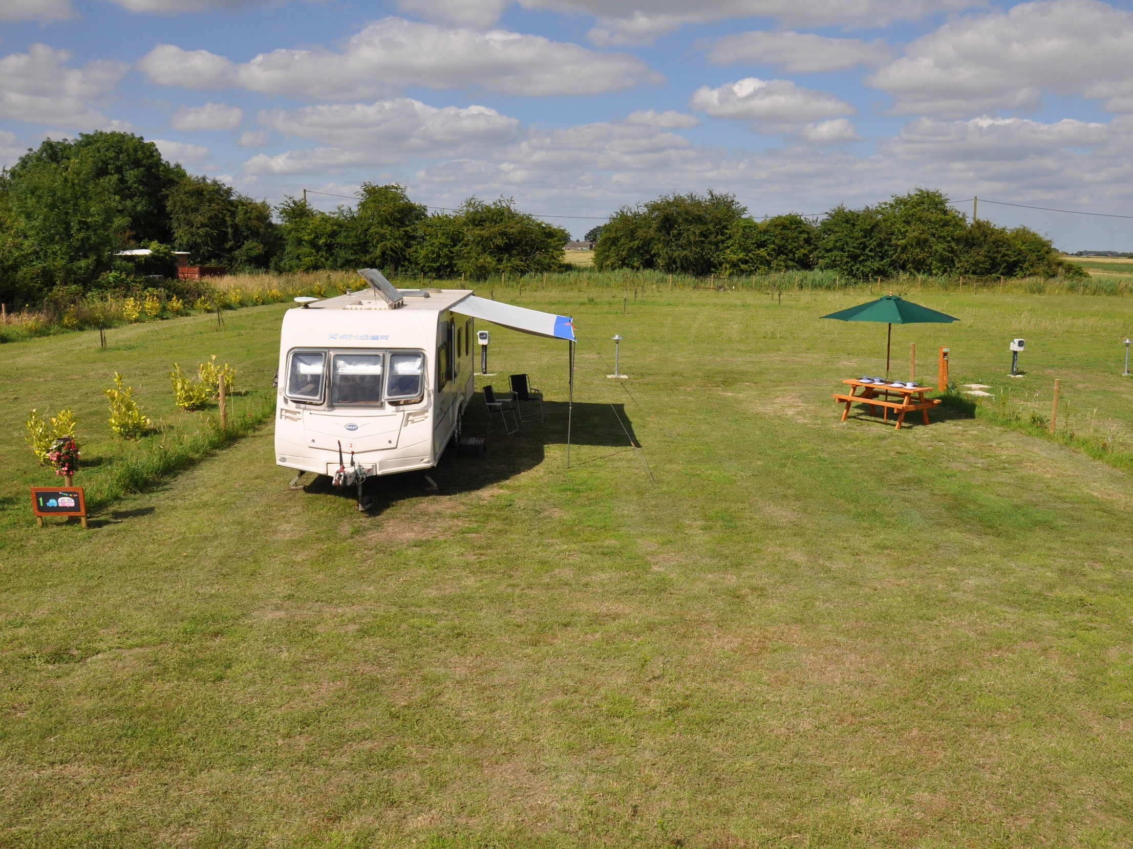 Fully Serviced, Extra Large Grass Pitches (For Caravans or Tents)