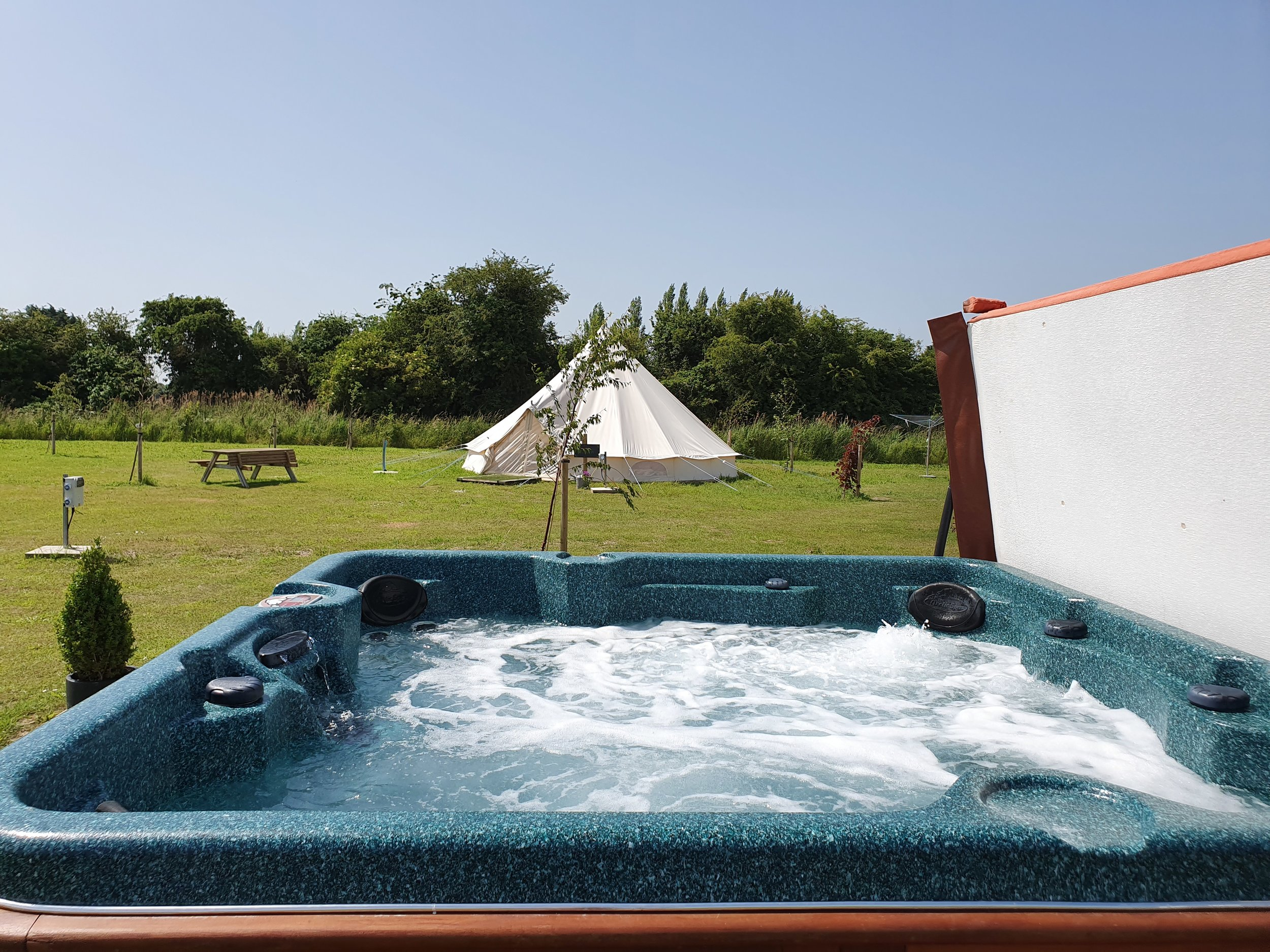 Luxury Hot Tub (Glamping only)