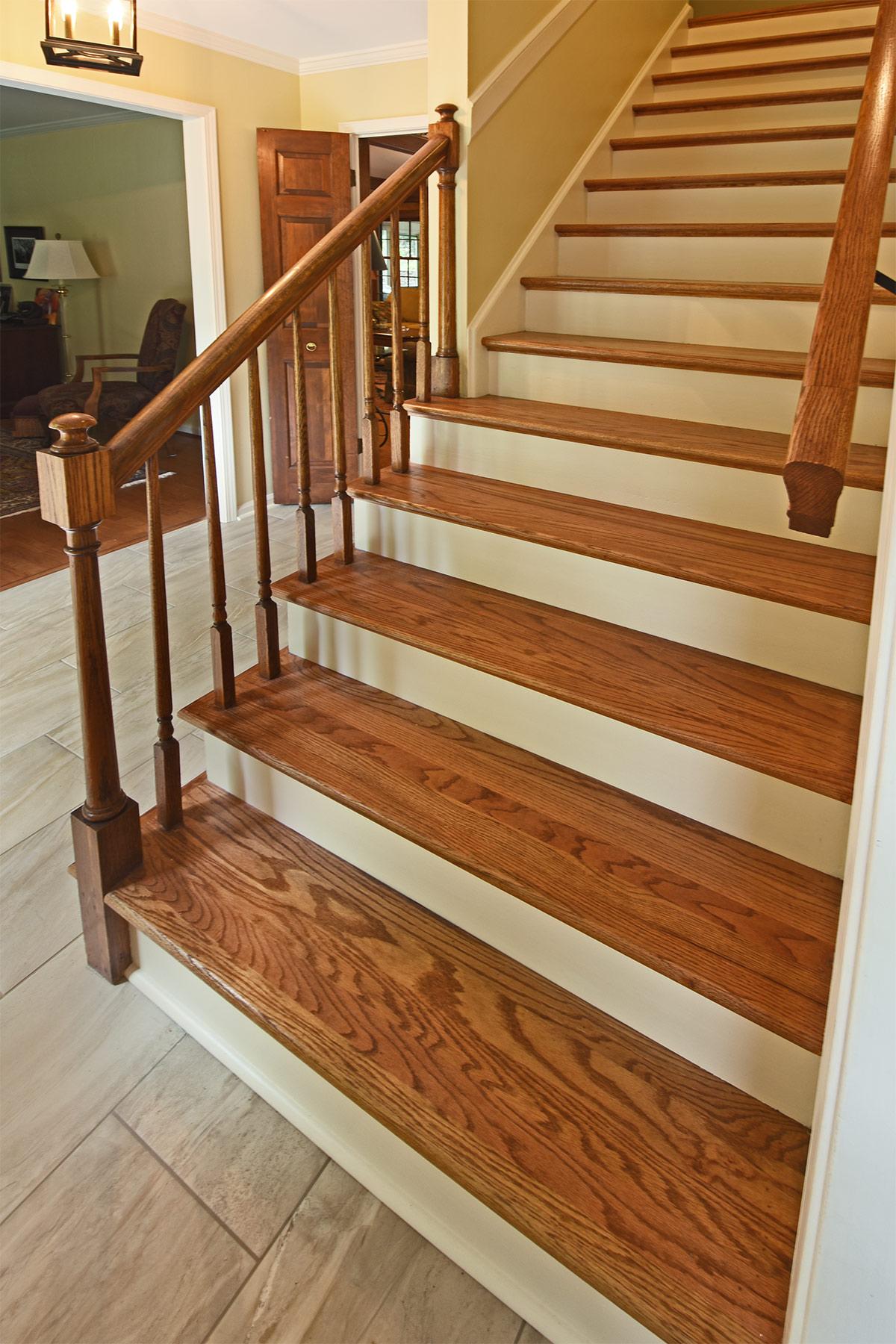 8544sycamoretrail_stairs.jpg