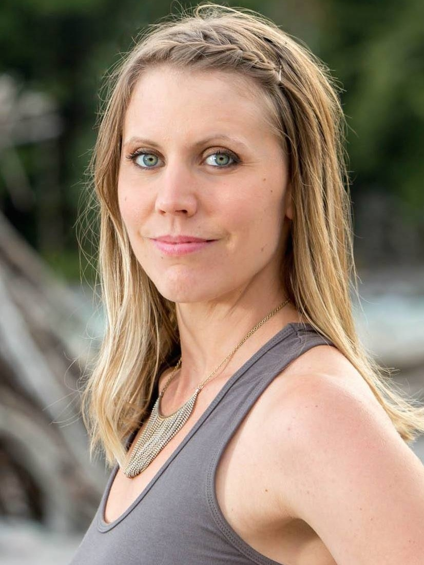 ELIZABETH NERLAND - Founder, Soul MedicineElizabeth leads a life rich in simplicity. She experienced the profound healing powers of yoga, reiki and a plant-based diet following a chaotic period in her life that led to a state of poor physical and emotional health. This experience of true healing became the catalyst for a dramatic life change. She now lives to inspire remembrance of one's True Nature through her work teaching yoga and practicing body work (reiki and massage). Outside of the studio you will find her immersed in lush forests, communing with her bountiful garden and playing with her three young children.
