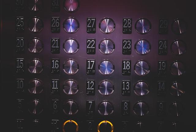 elevator-926058_640.jpg