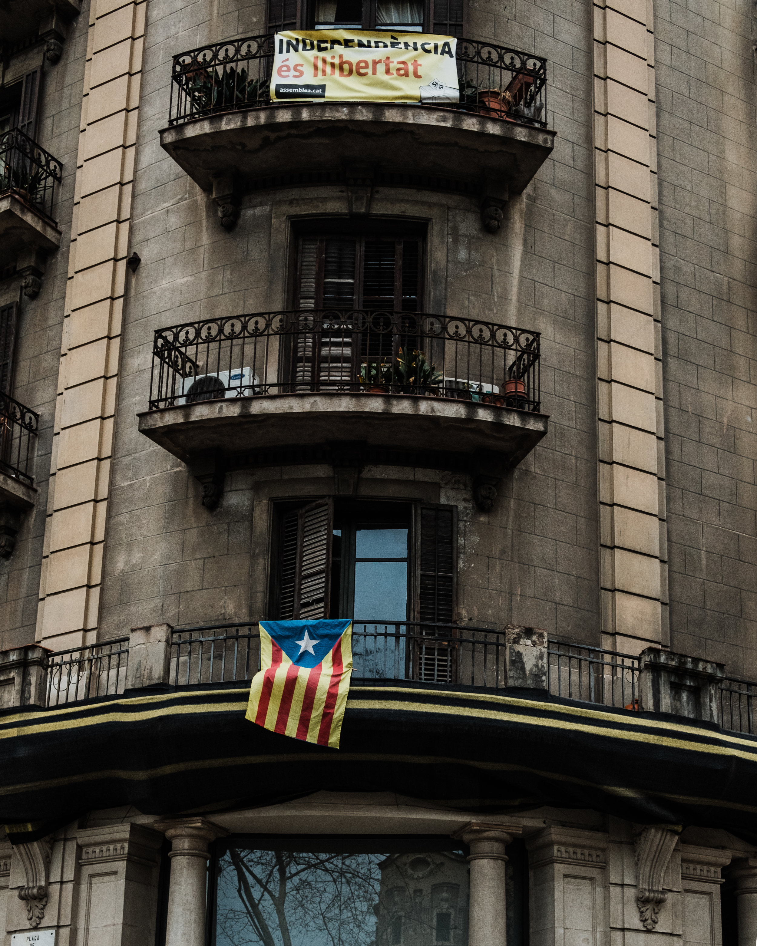 La Estelada Blava, the most popular flag that one will notice on display in Barcelona stands as the symbol of the separatist movement in Catalonia and represents their desire to gain independence from the rest of Spain