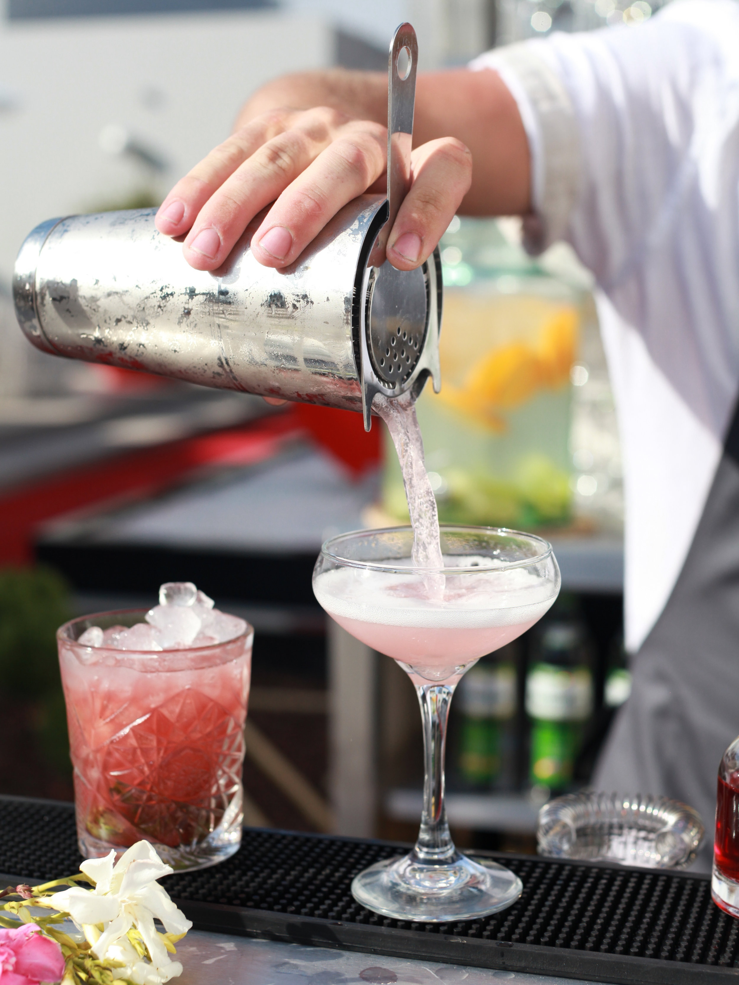 Bar Hire - We provide mobile bars, mixologists, refrigeration, garnishes, glassware and more