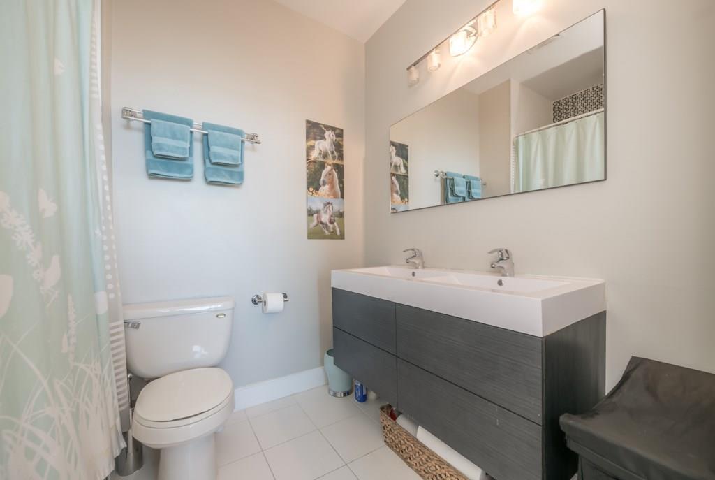 21. Bathroom #2.jpeg