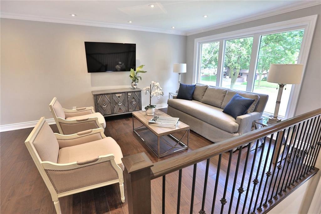 4. Living Room 1.jpg