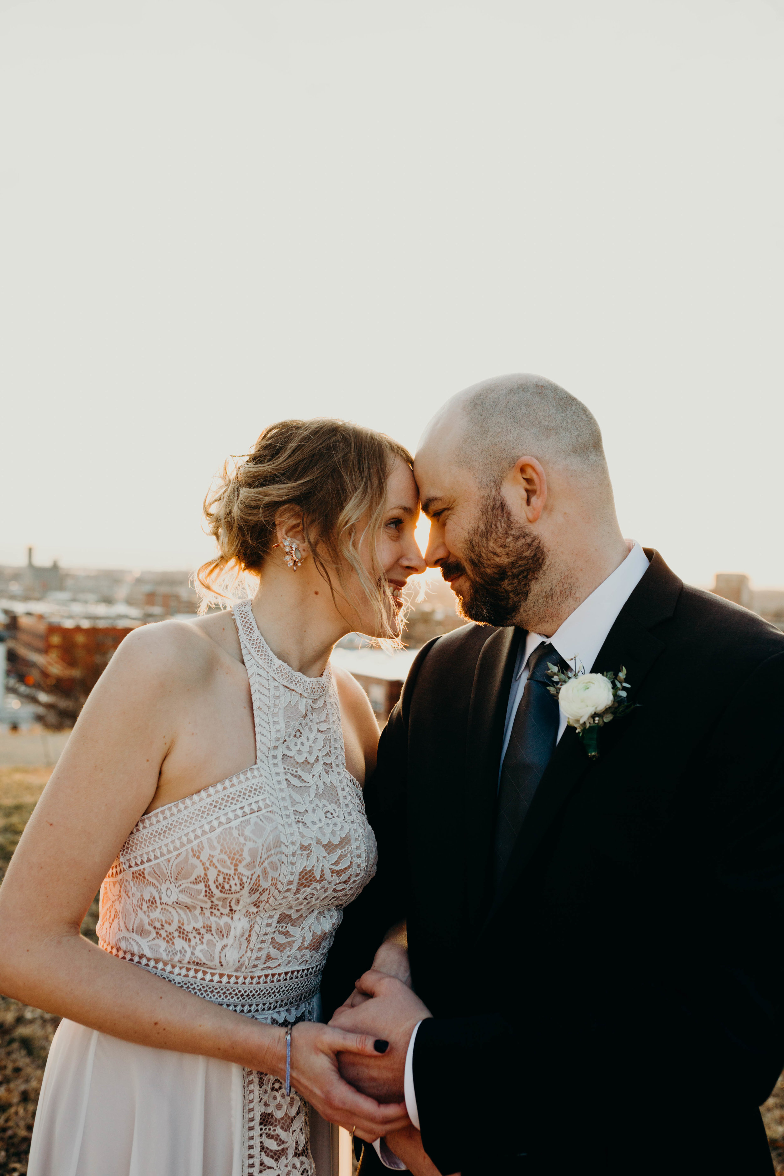p.s. if your prioritize golden hour portraits when planning your wedding timeline, your photos will turn out SO much better!