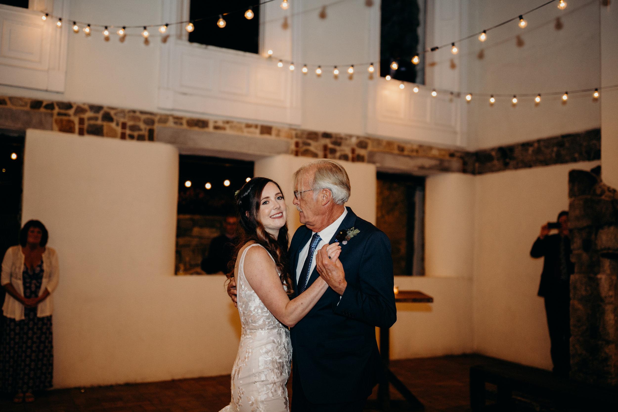 R+A Wedding 4-146.jpg