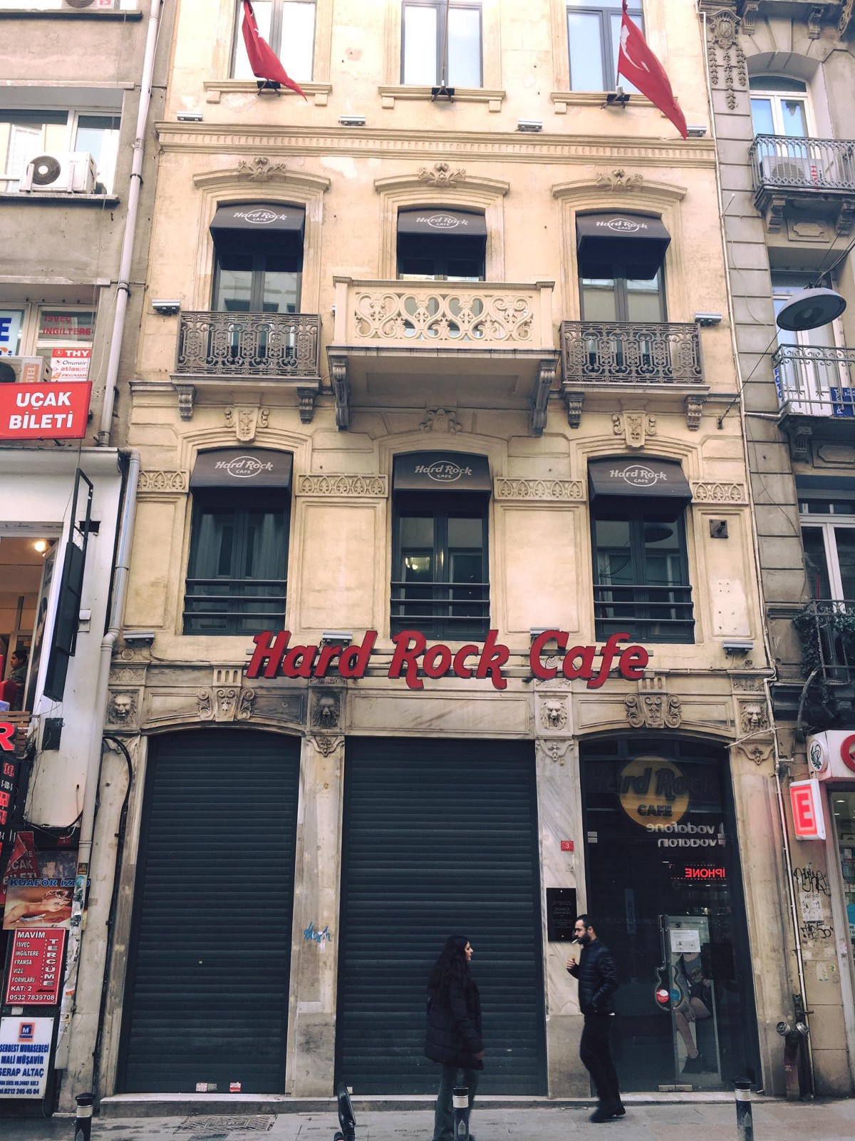 140Journos covers  the multitiude of closings on Istiklal Street in Istanbul as well as the reasons why.
