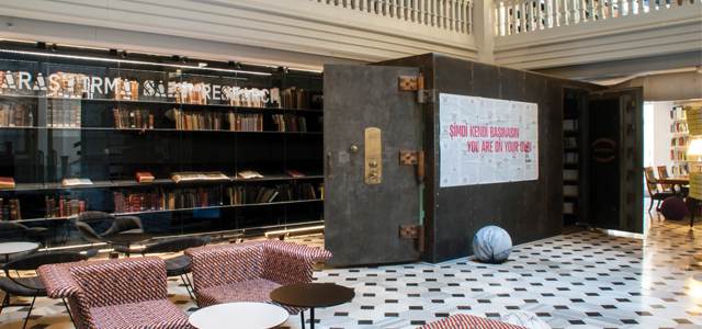 Although their Istiklal Cd. location closed, SALT's Galata library is one of the best libraries in the city. Image courtesy  Gezilecek Yerler .