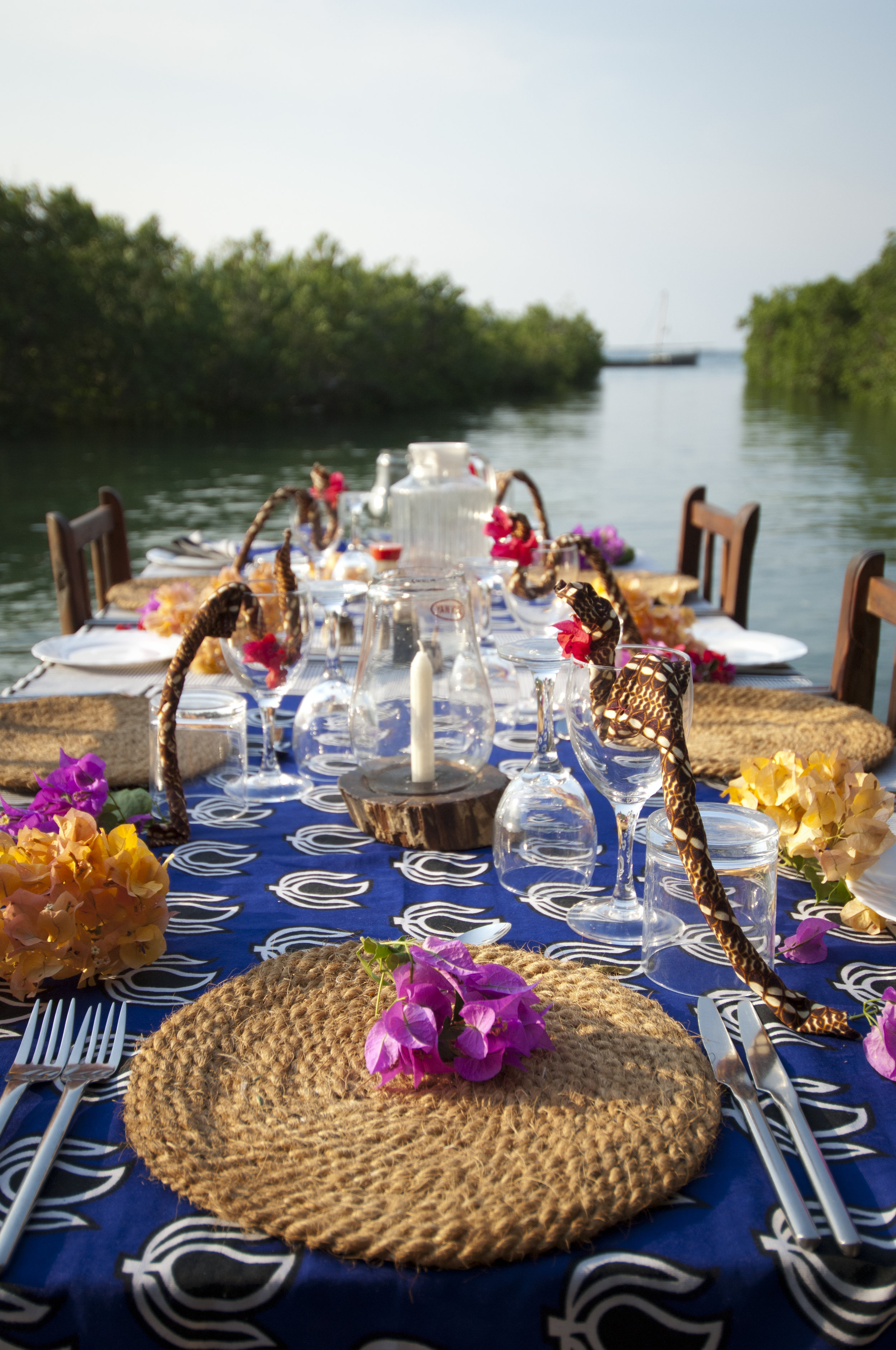 Table setting on the jetty .jpg
