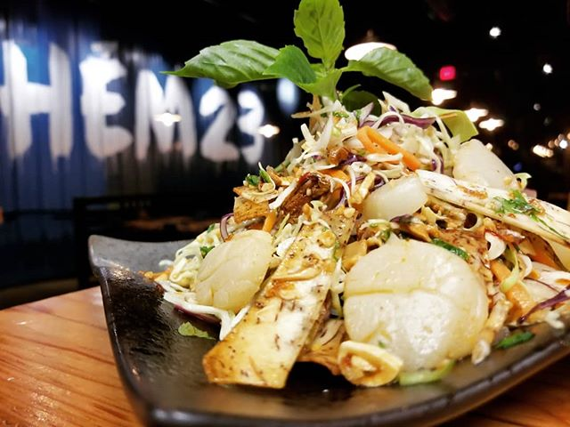 Exciting things are happening at Hem! We have a new expanded dinner menu with some new items like the Taro Salad (it has scallops!!) and the return of Mi Wonton soup! Winter hours in effect too, we are open for an earlier lunch 🤗 (Sun-Thurs 11am-10pm Sat&Sun 11am-11pm)