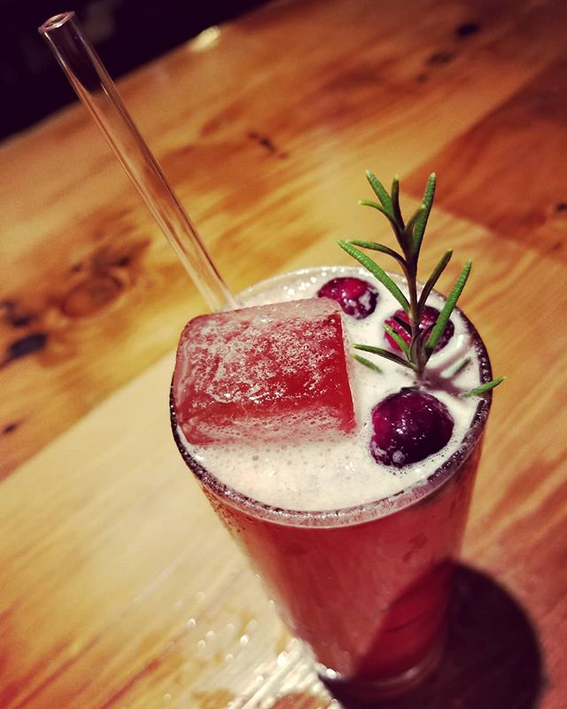 Happy Holidays! Take a break from shopping and enjoy some winter cocktails. We have hot mulled wine and on special is the Twig 'n Berry 😁 (vodka, cran-rosemary shrub, lemon, amaro, and orange bitters). Let the festivities begin!!!