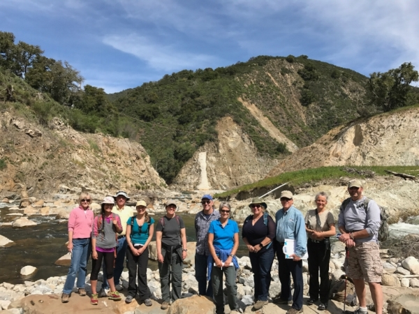 Tour docents and subject experts out in the field