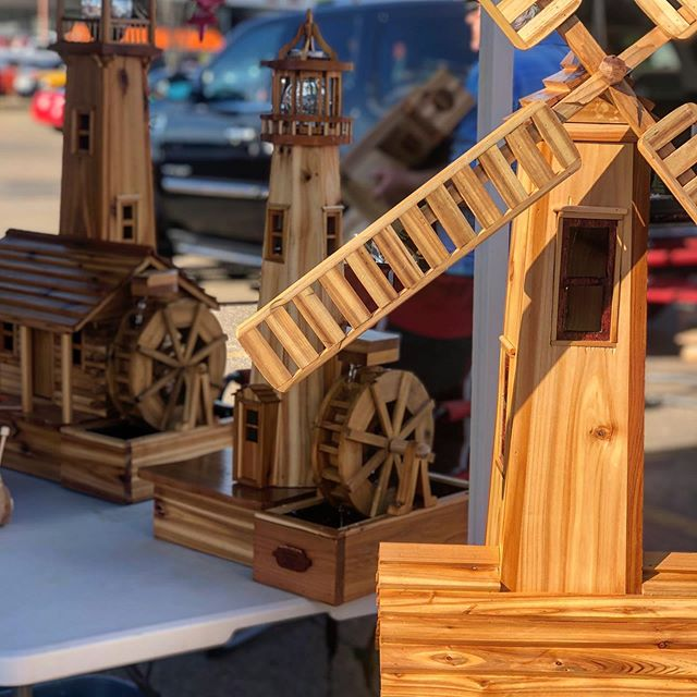 We spend a lot of time talking about the food you can find at Baseline Farmers Market, but you will also find beautiful handcrafted items too! Woodwork, decor, jewelry, signs, and more. Come see just how talented the makers in our community are. 😀  _____ Baseline Farmers Market is open in the Sherwood Park Home Depot parking lot every Wednesday. 4-8pm. We have over 35 vendors each week!! . . . . . . . . . . #strathconacounty #sherwoodpark #shpk #yeg #yegmakers #yeglocal #yegfood #yegeats #yeghandmade