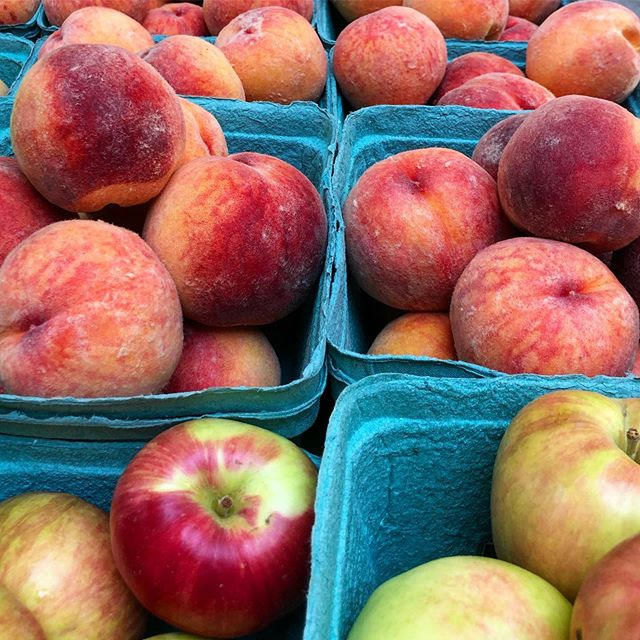 Have you tried the peaches from Baseline Farmers Market vendors yet? 🍑 Oh. My. GOSH! They are the sweetest and juiciest. Come get your hands on them plus all the other delish fresh fruits! Baseline Farmers Market is open every Wednesday, 4-8pm in the #sherwoodpark Home Depot parking lot! ❤️ . . . . . . . . . . #sherwoodparkmoms #shpk #strathconacounty #bcfruit #albertagrowers #yegfarmersmarket #yegfood #yegeat #shoplocalyeg