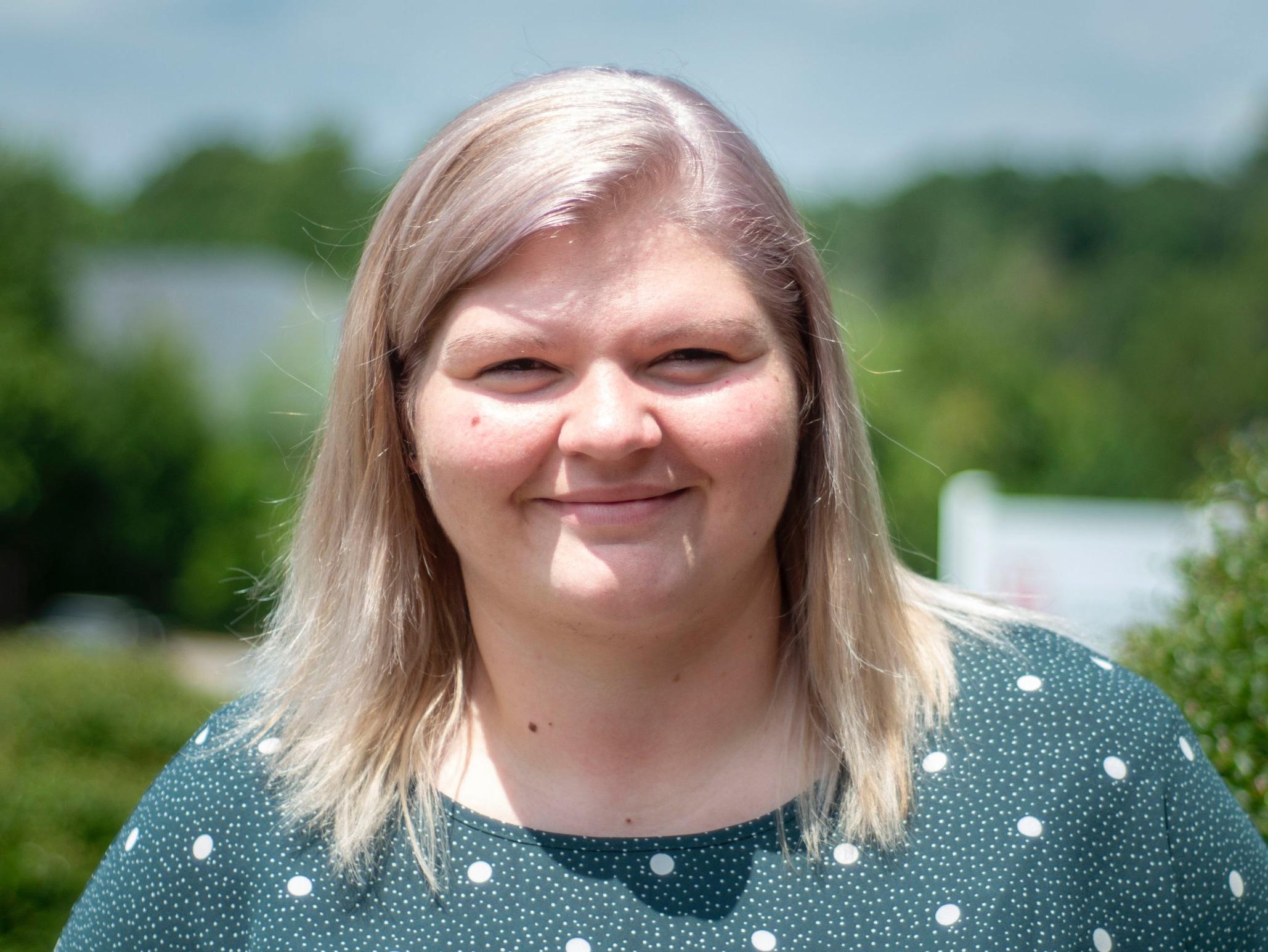 Jennifer Sifford - Front Desk Receptionist