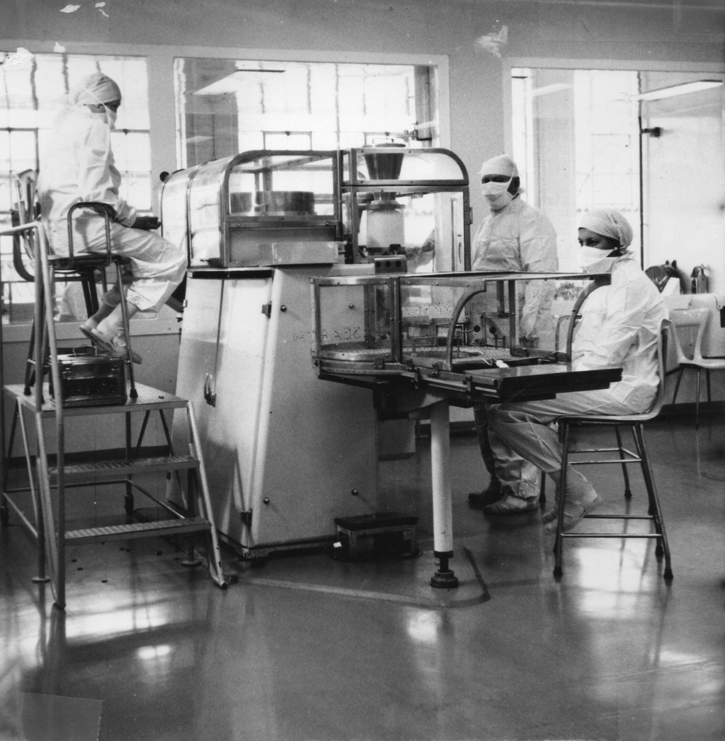Machine filling of sterile injectable penicillin, BRL, 1967