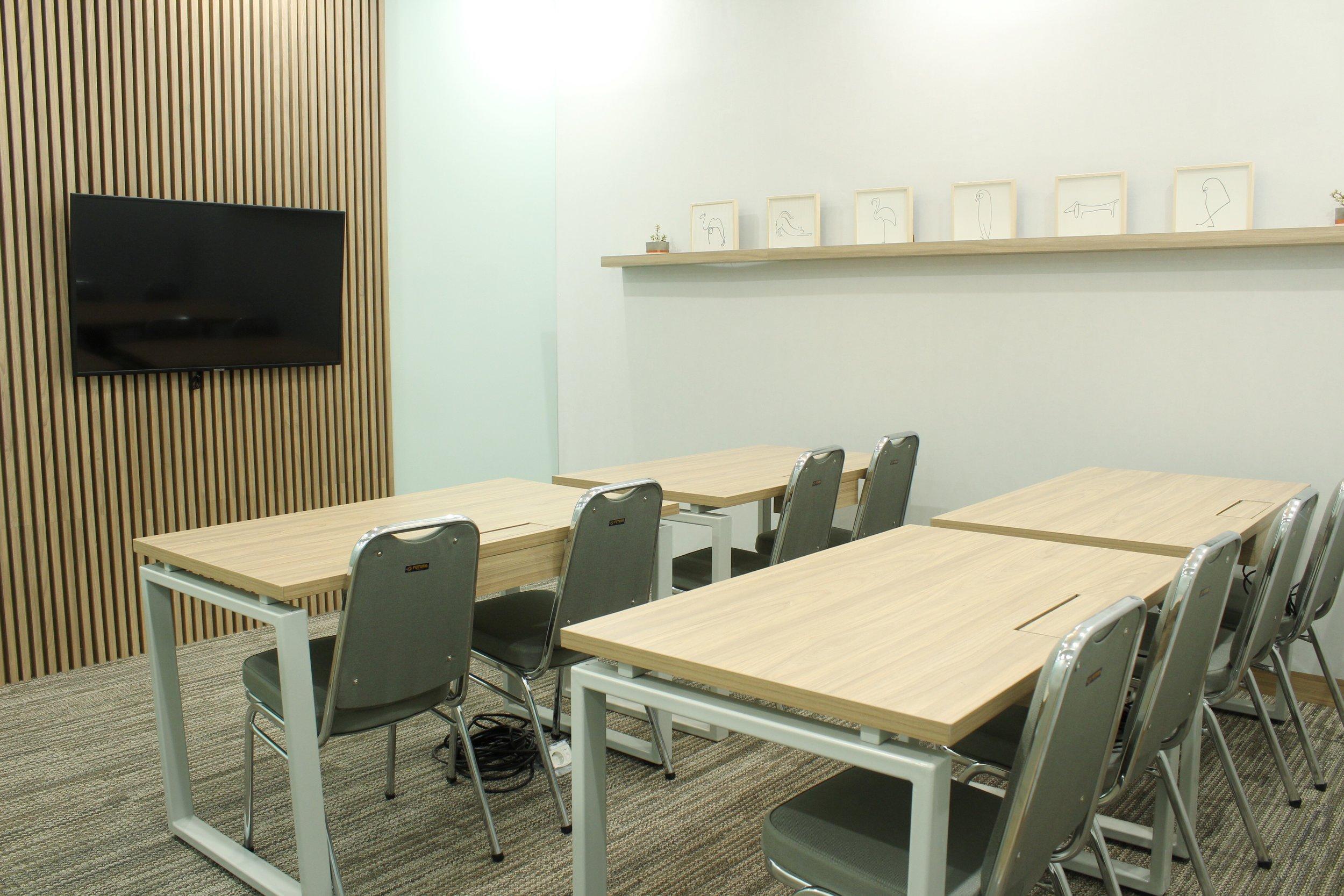 avenue8 meetin room classroom