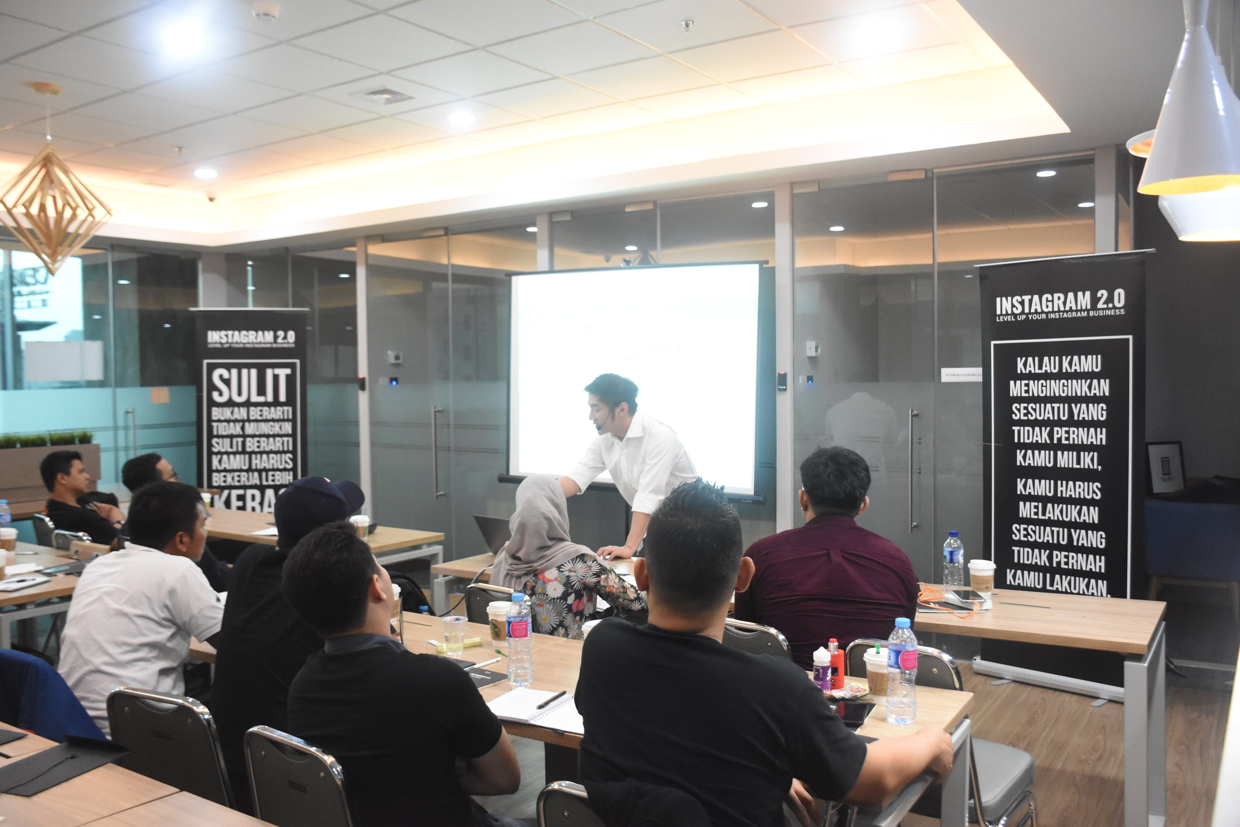 Rintisan indonesia's digital marketing workshop at avenue8 offices.  (Photo credits: Rintisan indonesia)