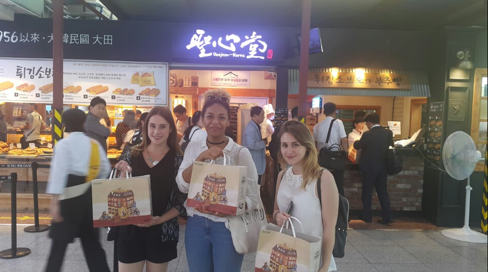 The French interns enjoying the comforts of Seoul with their new found friends.