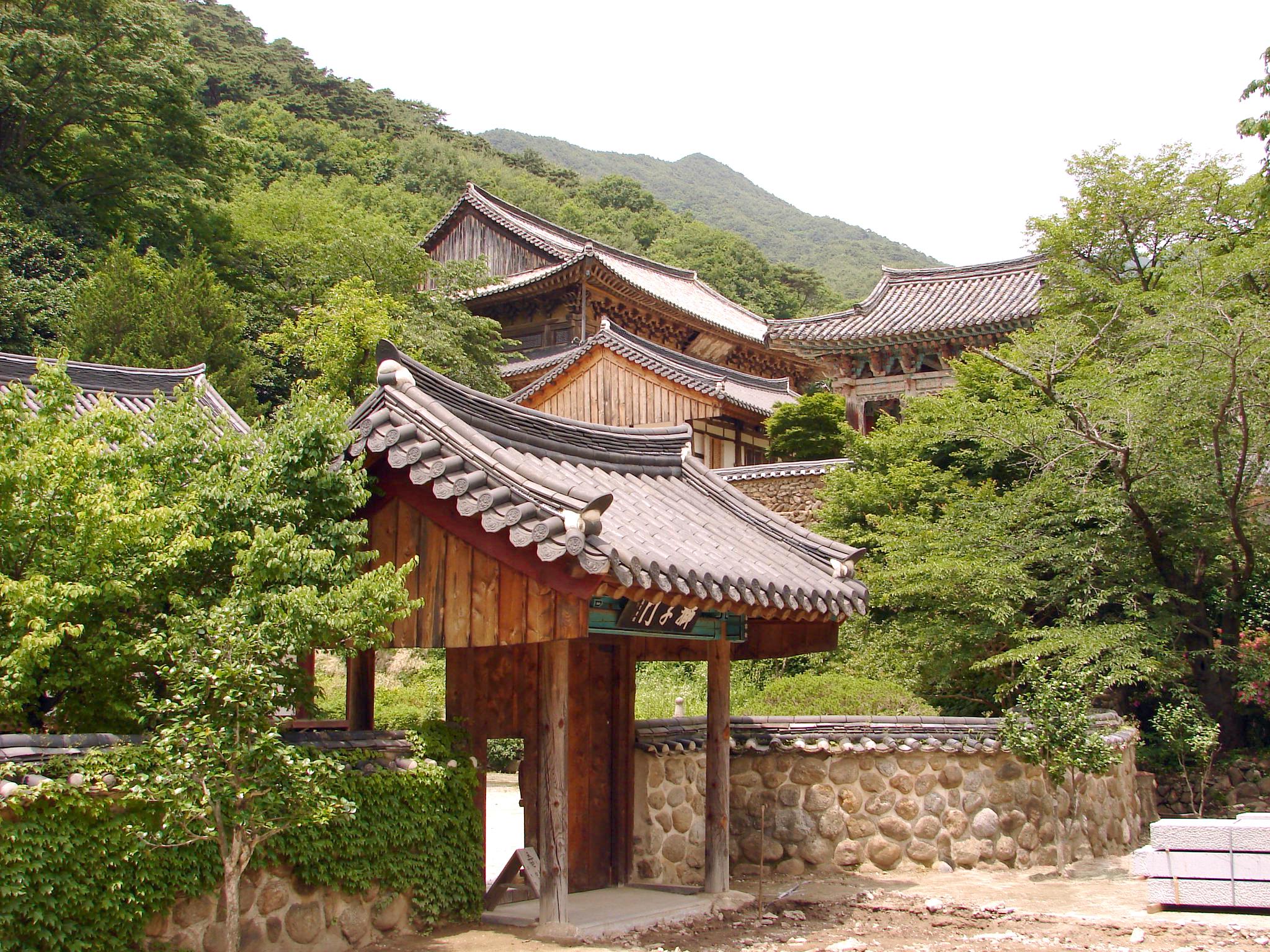 Korea-Gurye-Hwaeomsa_4989-06.jpg