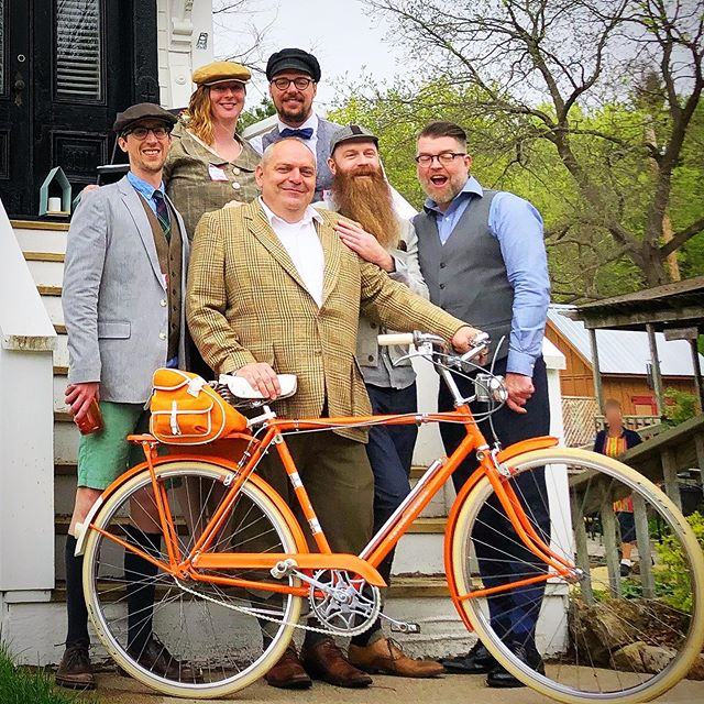It's that time of year again -The Lake Pepin 3-Speed Bike Tour!  Look how adorable these folks are ❤️ https://3speedtour.com/ . #knickers #3speed #3speedbike