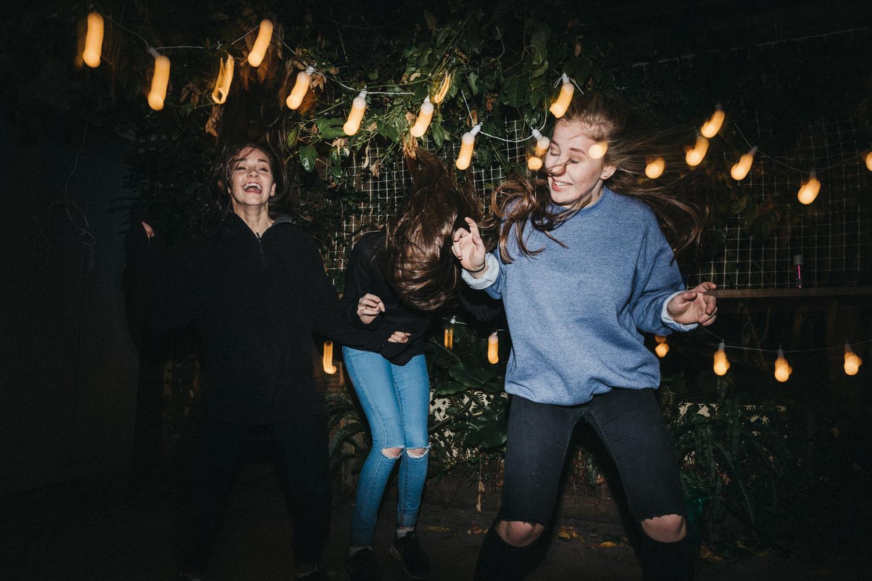 Melbourne_Family_photography_dancing_crazy_flash_Skills_001.jpg