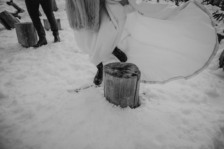 Winter_Elopement_Amie_Nick_Anna_Taylor_097-185A2357.jpg