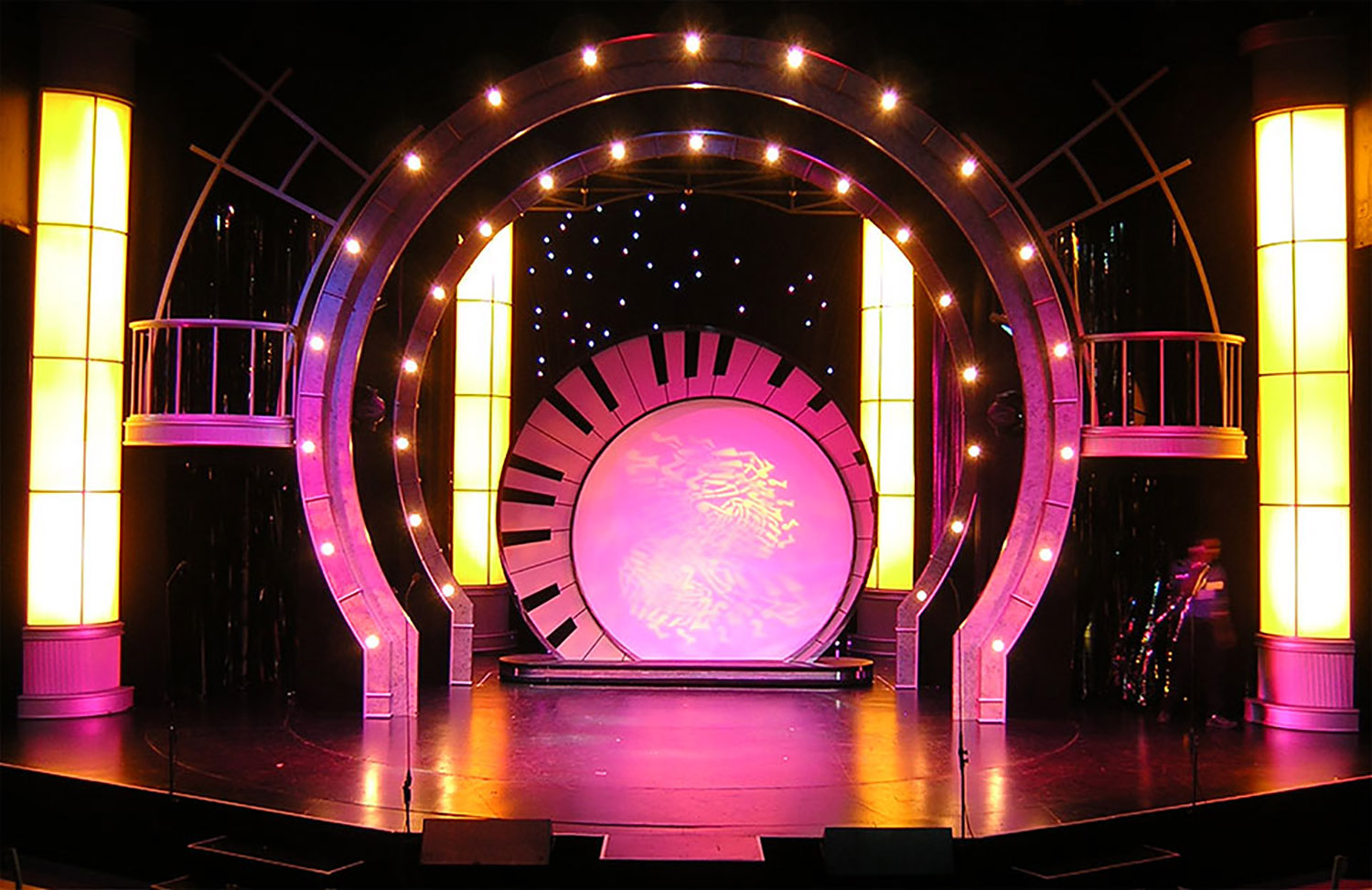 Rhythm_and_Grooves_Scenic_Design.jpg
