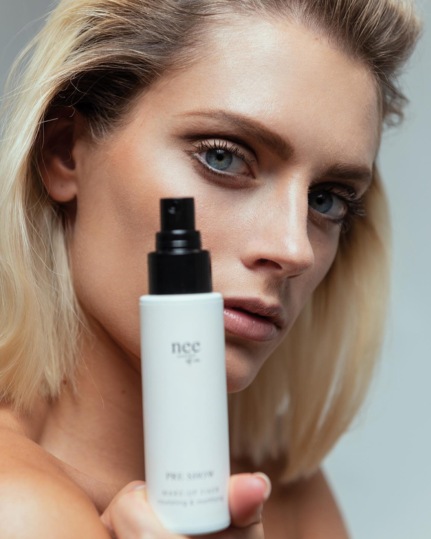 Per un #look bohémien e raffinato scopri i prodotti della nuova collezione #Bonton,  Scopri i tuoi nuovi alleati di questa estate (link in bio)  #NeeMakeUpMilano #makeup #truccoperfetto #occhi #labbra