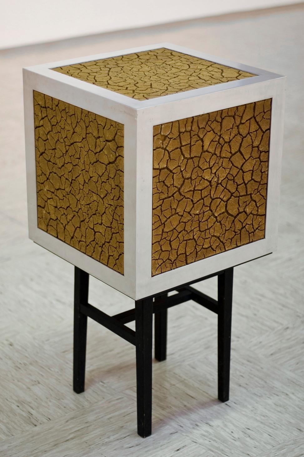zemlja, les, aluminij, 45 x 45 x 45 cm, 1997