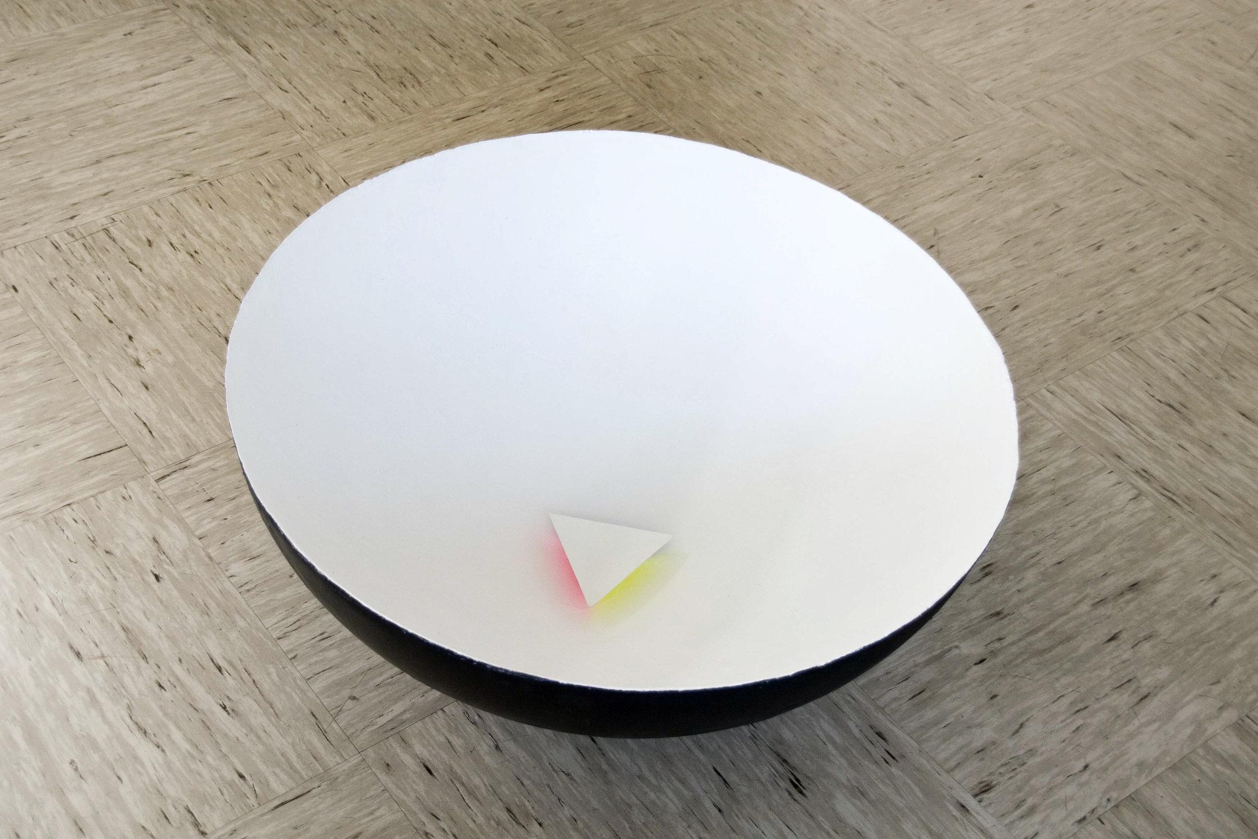 akril, pleksi, les, 34 x 81 x 81 cm, 2003