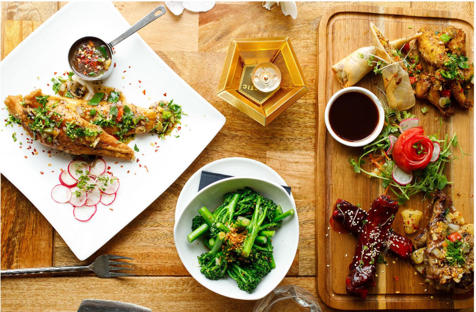 Seabass-and-meat-platter-sabai-sabai-thia-restaurant-birmingham.jpg