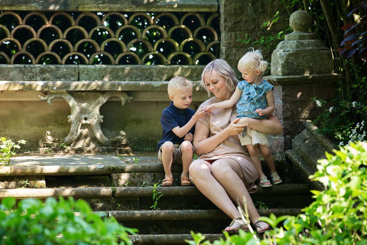 Children's and family Photographer, Whatton Gardens