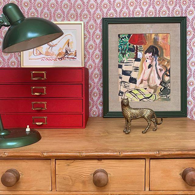 Desk Details #interiors #redandgreen #study #art