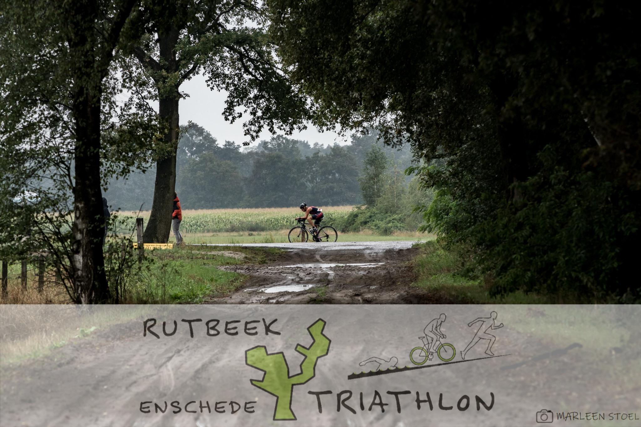 Enschede Triathlon - Bij de recreatieplas Het Rutbeek werd ook dit jaar op 18 augustus 2019 weer de Enschede Rutbeek Triathlon gehouden. Het was weer een erg leuke en gezellige dag met mooie wedstrijden.-> meer info