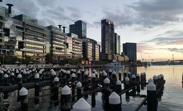 Did anyone catch any of the Firelight Festival in Docklands this weekend? #melbournemadebypeople . . . . . . #firelightfestival #docklands #victoriaharbour #myvictoriaharbour #boltebridge #sky #melbourne #melbournearchitecture #melbournecity #melbourneguide #melbournebuildings #yarrariver #melbournewater #melbournefestival #winterinmelbourne #visitmelbourne #melbournephotographer #blogger #melbourne_insta  #acitymadebypeople