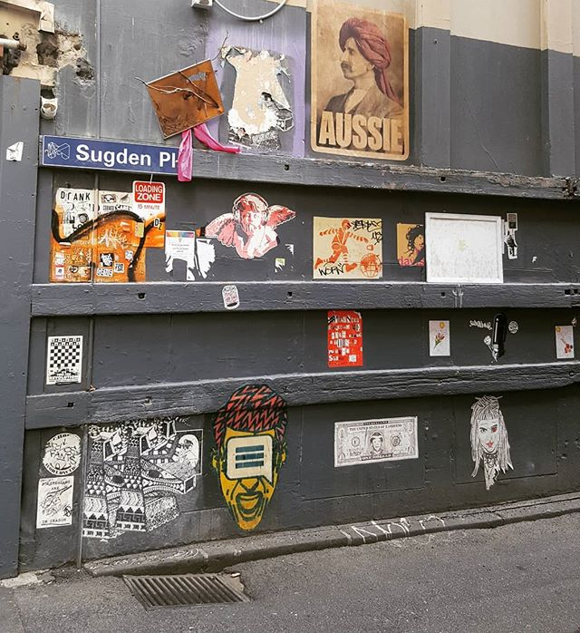 Be sure to look down the allyways and laneways in Melbourne #melbournemadebypeople . . . . #melbourne  #melbournestreet #melbournelaneway #laneway  #hiddenmelbourne #melbournecity #melbournestreetart #streetart #aussie #melbourneart #acitymadebypeople