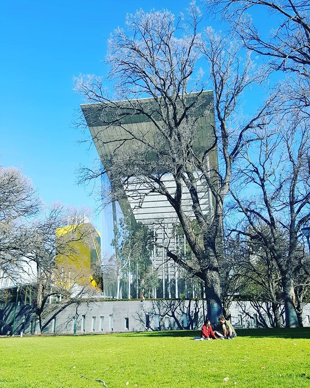 What's the hidden building Melbourne people ? ... #melbournemadebypeople . . . . . . #melbourne #melbournewriters #melbourneguide #melbournepark #carlton #melbournemuseum #melbournearchitecture #melbournebuilding #melbourne_insta #acitymadebypeople