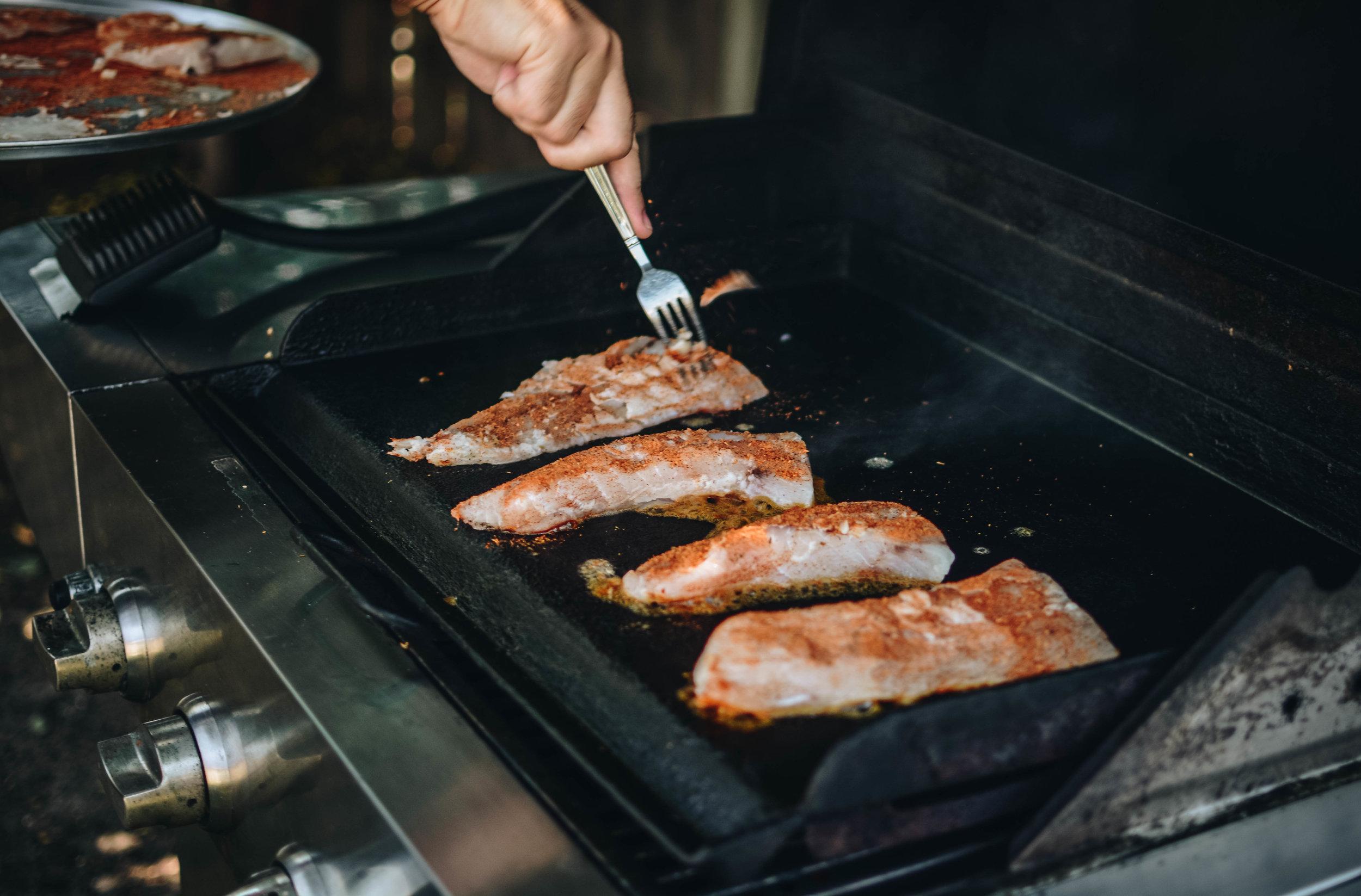 grill blackening fish
