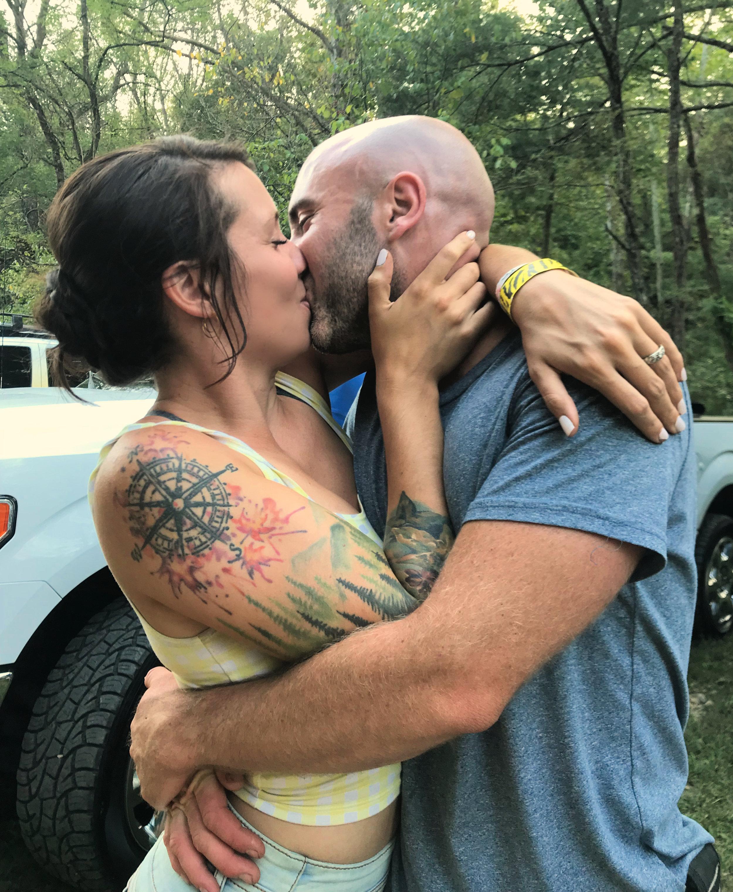 engagement kiss van couple vanlife engagement proposal