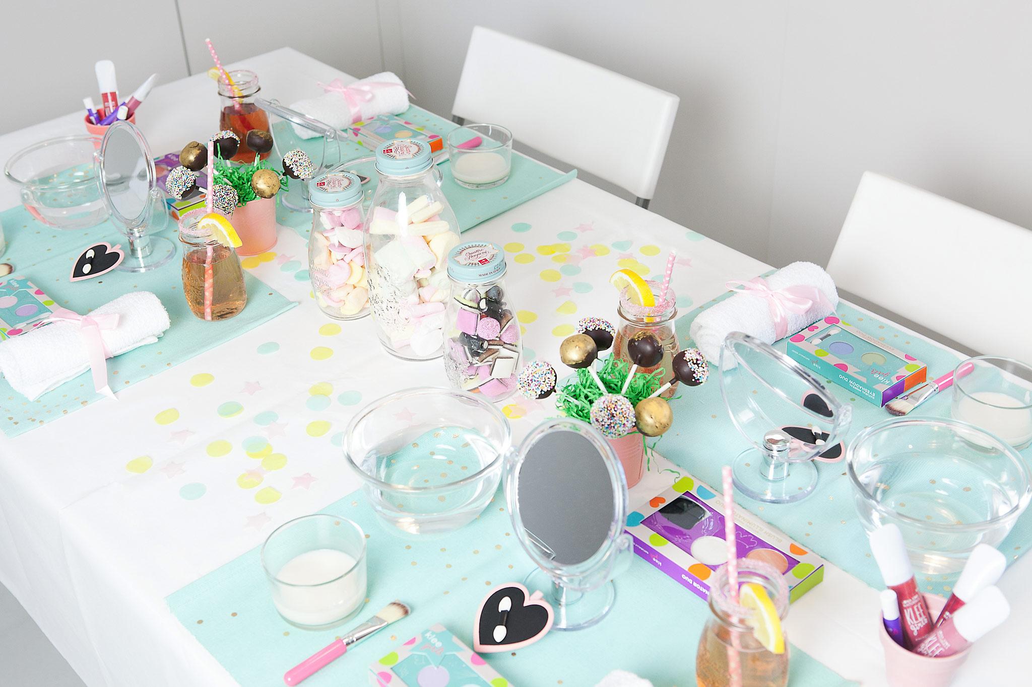 Kindertafel1-1s.jpg