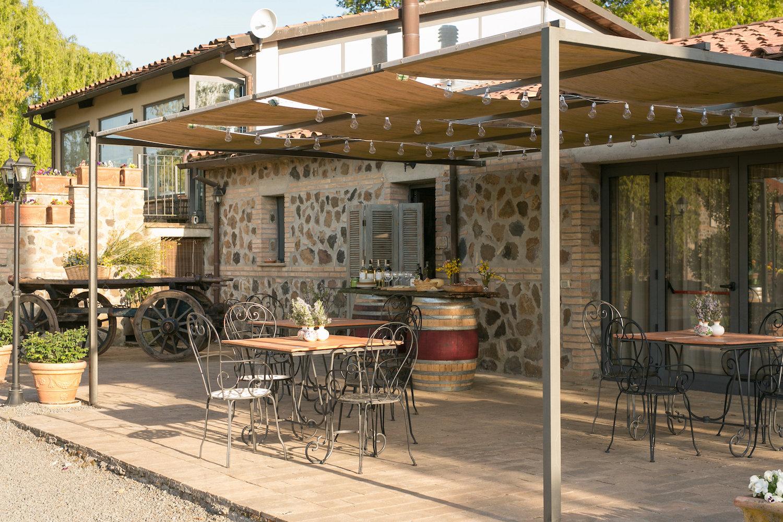 restaurant_patio.JPG